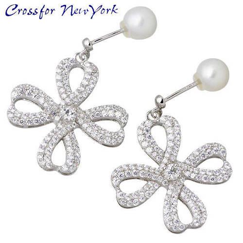 女性银耳环 Crossfor 纽约 珍珠