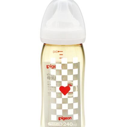 日本 贝亲(Pigeon)母乳实感塑料哺乳瓶240CHE